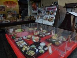 Contoh makanan di depan Resto