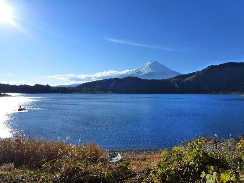 The fampus Mt. Fuji from Lake Saiko