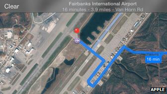 Apple maps mengarahkan menyusur taxiway lalu melintas runway